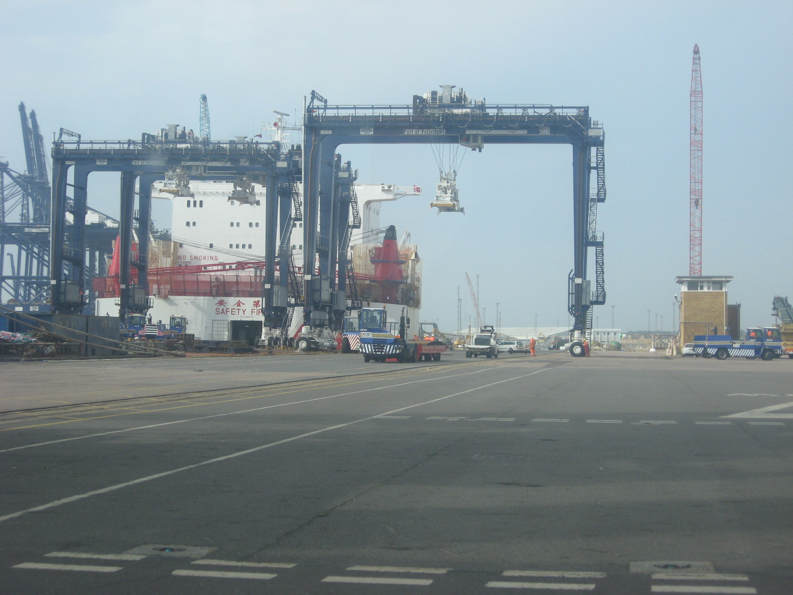 New Rigid Tyre Gantry's for Felixstowe